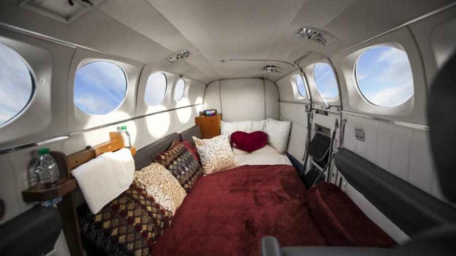 Turismo Turismo con nosotros y haz el amor entre nubes: las aerolíneas más calientes.