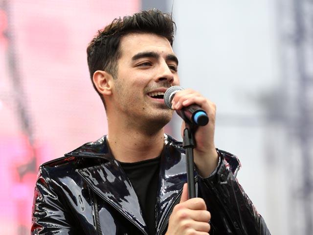 Actualidad Actualidad Joe Jonas habla de su primer contacto con el porno